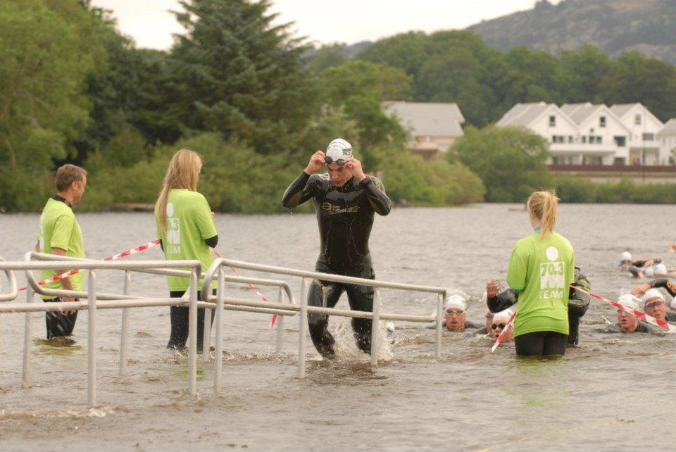 """Ferdig med svømmeetappen i Haugesund 2012. Har tydligvis hatt en """"liten"""" gjeng på slep :D"""