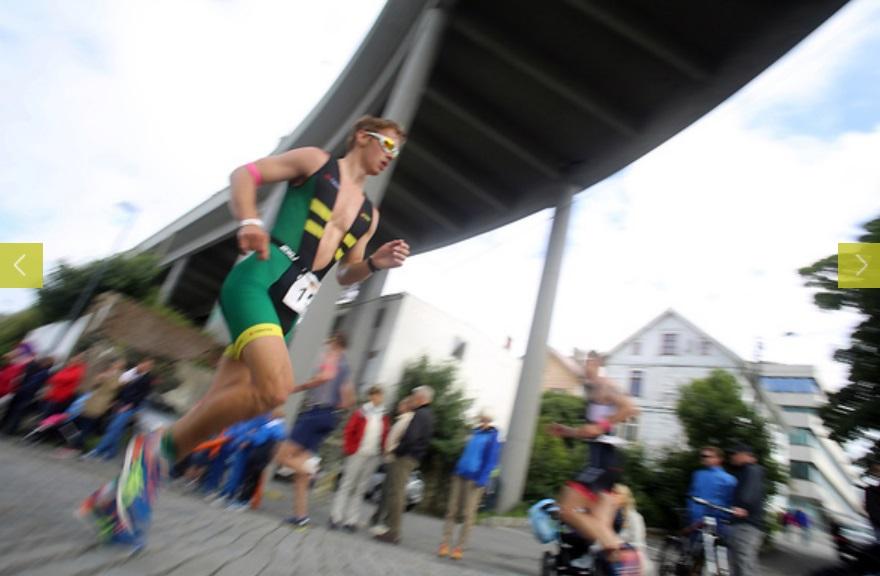 Glidelåsen nedtrukket viser at Kristian raskt har tilpasset seg triatlonsportens kleskoder!
