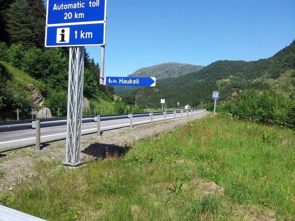 Syklet gamleveien opp mot Haukeli i forbindelse med en helgetur til Trolltunga.